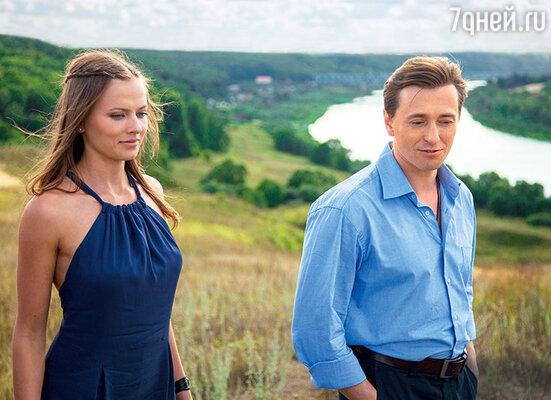 Благодаря новой знакомой (еесыграла Вера Шпак) герой СергеяБезрукова заново обретает вкус кжизни
