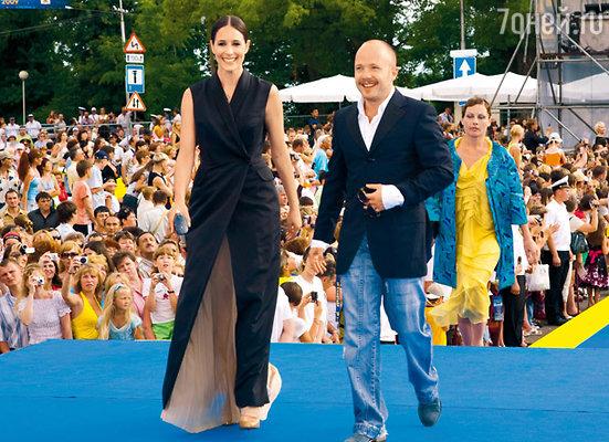 Евгений Стычкин со своей любимой девушкой — актрисой Ольгой Сутуловой