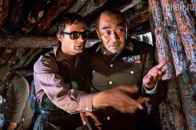 Борис Ермолаев (слева)