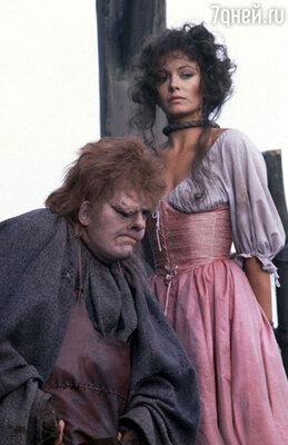 Энтони Хопкинс и  Лесли-Энн Даун. «Горбун из Нотр-Дама», 1982 год
