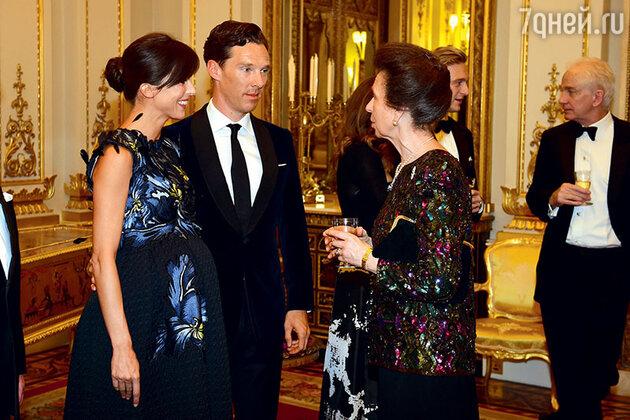 Бенедикт Камбербэтч с женой Софи Хантер на приеме у принцессы Анны