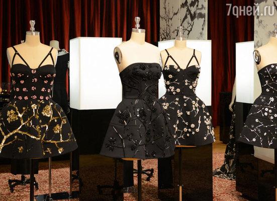 Новая «азиатская» коллекция отличается обилием ручной вышивки и интересными конструктивными решениями