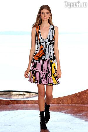 Модель показа Christian Dior