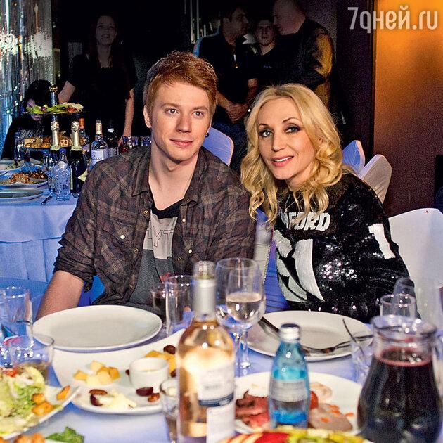 Кристина Орбакайте с сыном Никитой Пресняковым
