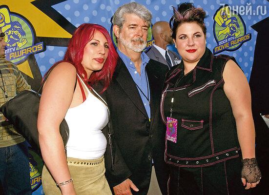 Лукас с дочерьми Амандой (слева) и Кейти