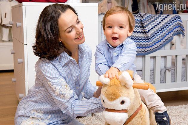 Валерия Ланская с сыном