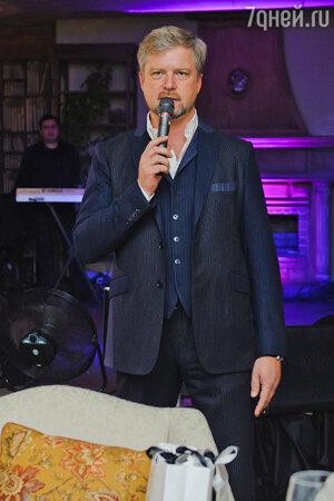 Валдис Пельш на  презентации нового альбома певицы Жасмин «От любви до любви»