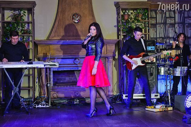 31 октября состоялась презентация нового альбома певицы Жасмин «От любви до любви»