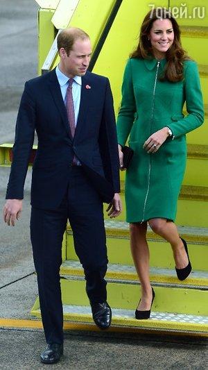 Кейт Миддлтон и принц Уильям прибыли в аэропорт города Гамильтон
