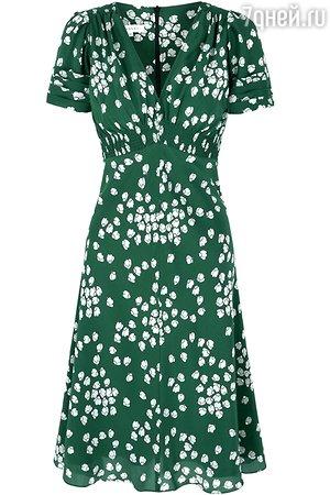 Под пальто Кейт надела зеленое платье с мелким рисунком от британской марки Suzannah.