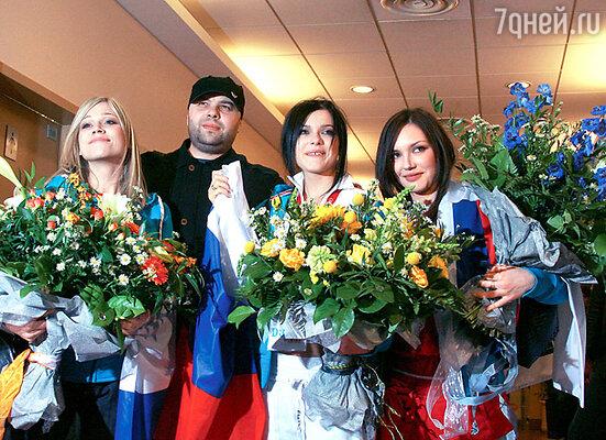 Группа «SEREBRO» и их продюсер Максим Фадеев на «Евровидении-2007»