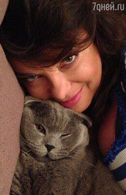 Наташа Королева с котом Боссом