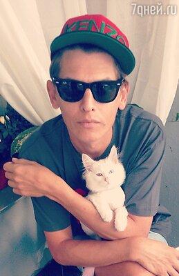 Влад Лисовец и кот Белка