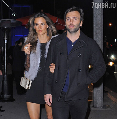 Алессандра Амбросио и Джейми Мазур