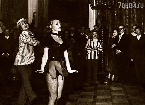 Мы c моим партнером танцевали под американский диксиленд и латиноамериканские мелодии