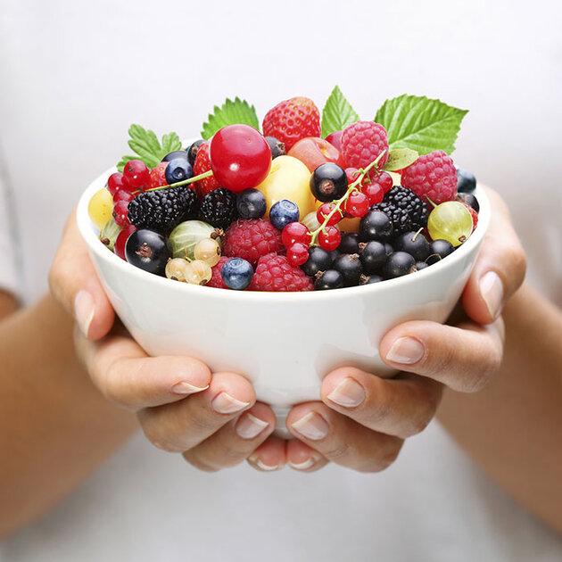 Фрукты полезнее, а здоровье и долголетие стоит того, чтобы отказаться от ежедневного потребления сладостей и рафинированного сахара