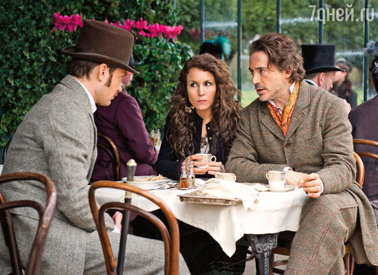 Нуми снялась у Гая Ричи во второй части приключений о Шерлоке Холмсе «Игра теней» — «…так как всегда питала слабость к симпатичным мужчинам и не могла позволить себе отказаться от удовольствия побегать с ними наперегонки, пусть и в дурацкой длинной юбке. С Робертом Дауни-младшим и Джудом Лоу