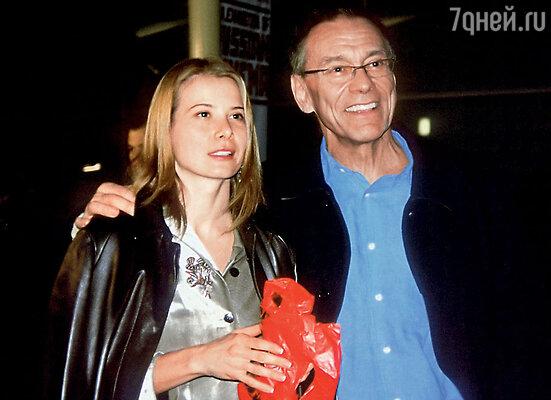 Юля Высоцкая в момент нашего знакомства была еще подругой отца