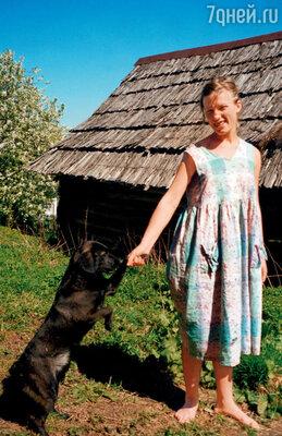 Я восторженно рассказывала отцу о нашем любимом доме в деревне Заноги Псковской области. Этот дом часто снился мне в Америке...