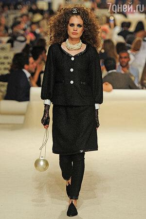 Модель показа Chanel