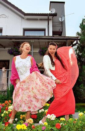 Татьяна Абрамова и Наталья Громушкина зажгли в танце