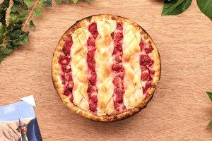 Малиновый пирог: рецепт десерта для всей семьи