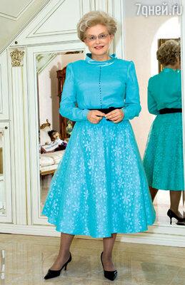 Все «служебные» наряды для Елены Васильевны изготовлены вручную