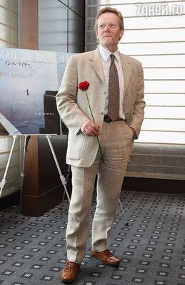 Став мировой знаменитостью, Филипп наотрез отказался от всех предложений заделаться миллионером: не дал согласия снять о себе фильмы, написать книги и автобиографии. Он желал остаться свободным художником