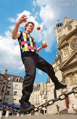 До сих пор Филипп ежедневно тренируется, и его по-прежнему можно увидеть жонглирующим для собственного удовольствия под аплодисменты публики