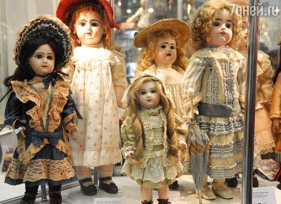Коллекция антикварных кукол