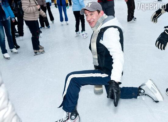 Накануне закрытия зимнего сезона  праздничные катания стали очередной акцией Благотворительного Фонда Константина Хабенского, помогающего детям с тяжелыми заболеваниями головного мозга