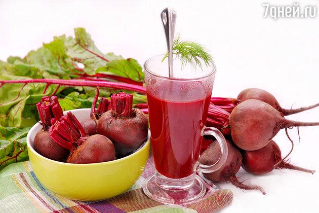 Свекольный сок, особенно в смеси с морковным или редечным, улучшает обмен веществ и делает кожу сияющей и гладкой