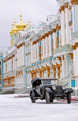 Съемки обеих киноверсий «Распутина» велись в России. Благодаря этому создателям картины удалось найти гармонию между красочностью и правдивостью декораций и образов
