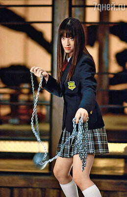Японка Тиаки Курияма (Гого) своим шаром на цепи случайно едва не убила режиссера