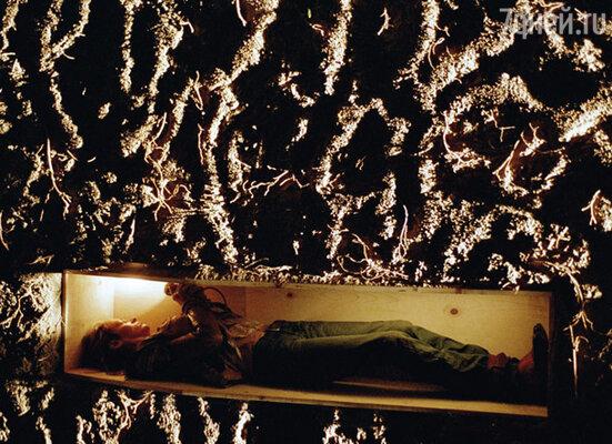Самые ужасные воспоминания у Турман остались о съемках эпизода, где ее героиню хоронят заживо