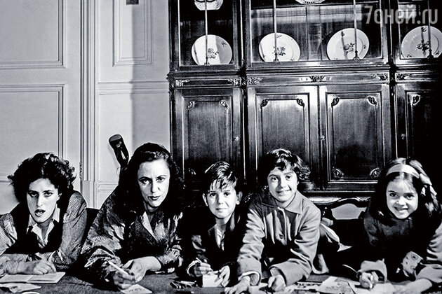 Баронесса Ротшильд с детьми