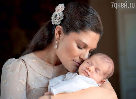 Принцесса Виктория, супруга шведского принца Даниэля, была счастлива, когда родилась их единственная дочка Эстель