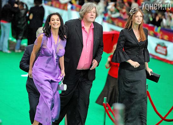 Режиссер Александр Стриженов с супругой актрисой Екатериной Стриженовой (слева) и дочерью Александрой