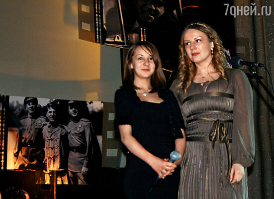 Наши внучка Катя и правнучка Анфиса на вечере памяти Николая Крючкова