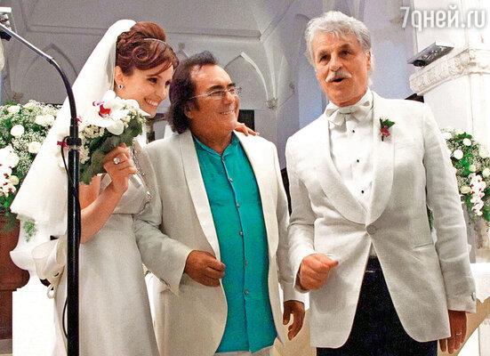 Летним днем прошлого года Плачидо повел свою подругу Федерику под венец. Свадьбу играли на родине обоих молодоженов — в Апулии. Друг семейства Аль Бано пел «Аве Мария»