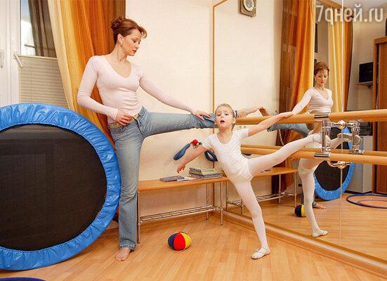 «В свои пять лет дочка посещает детский сад, занимается музыкой, балетом, французским и английским языками. Но мечтает Танечка стать балериной»