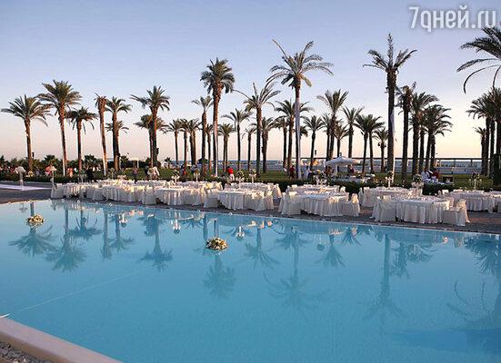 Грандиозное празднование прошло на пирсе отеля «Адам и Ева»