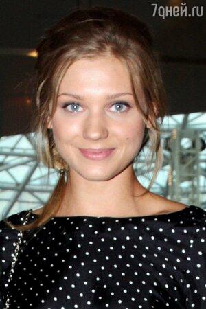 Кристина Асмус на дне рождения Ивана Охлобыстина, 2011