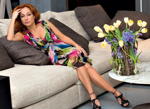 На Виктории платье DIANE VON FURSTENBERG, туфли SERGIO ROSSI