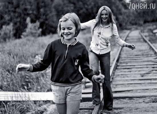 Люблю эту фотографию: мама с Аней