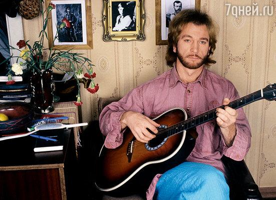 Игорь Тальков часто бывал у нас в гостях. В песне, которую он посвятил маме, есть такие слова: «Мне нравится смотреть на город из твоего окна»