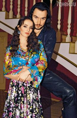 Юлия Зимина (Кармелита) и Александр Суворов (Миро) — последний совместный кадр на площадке