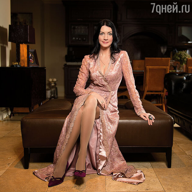 Елена Костина