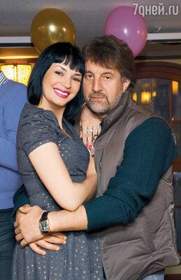 Юлия с другом семьи Леонидом Ярмольником