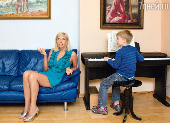Гриша будет совмещать учебу в обычной и музыкальной школах
